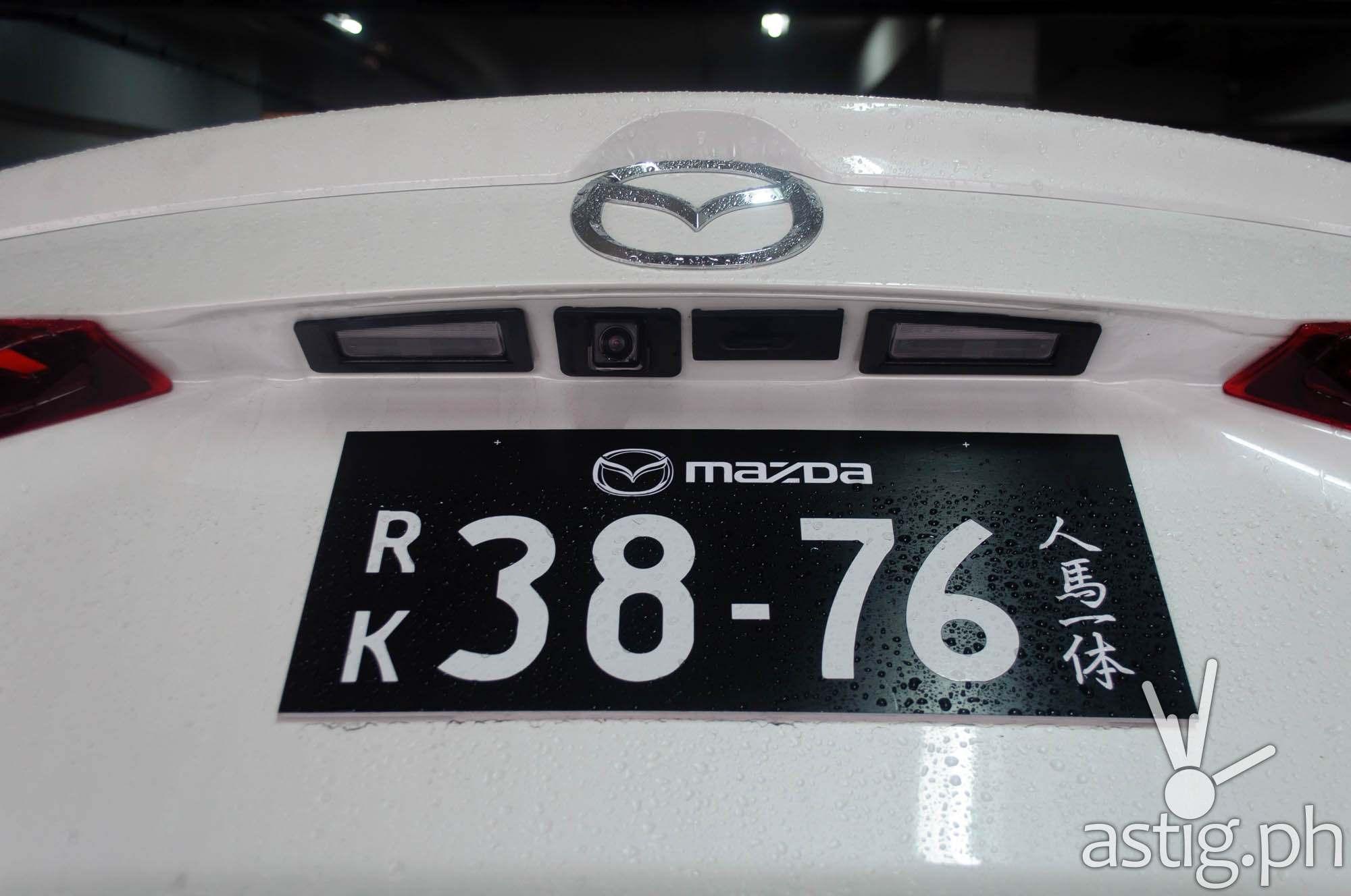Back-up camera - Mazda3 2.0 Sedan 2017 Skyactiv-R