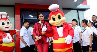 Jollibee, Miss Universe 2016 Candidates Share Joy and Inspiration to Concordia Girls