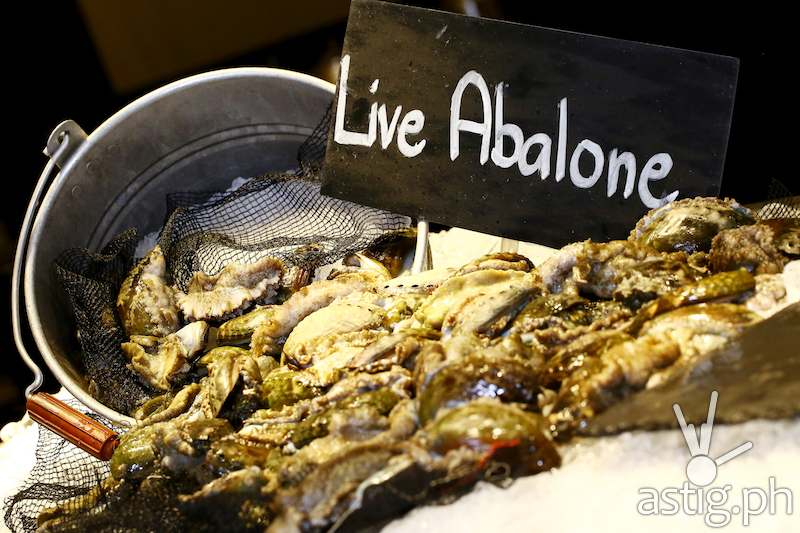 Live Abalone station is added on the fresh seafood selections