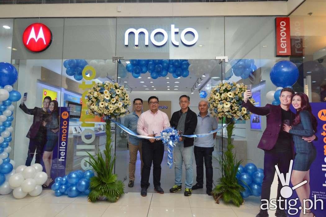 http://astig.ph/wp-content/uploads/2017/01/Moto-Store_SM-North-EDSA_2-1050x700.jpg