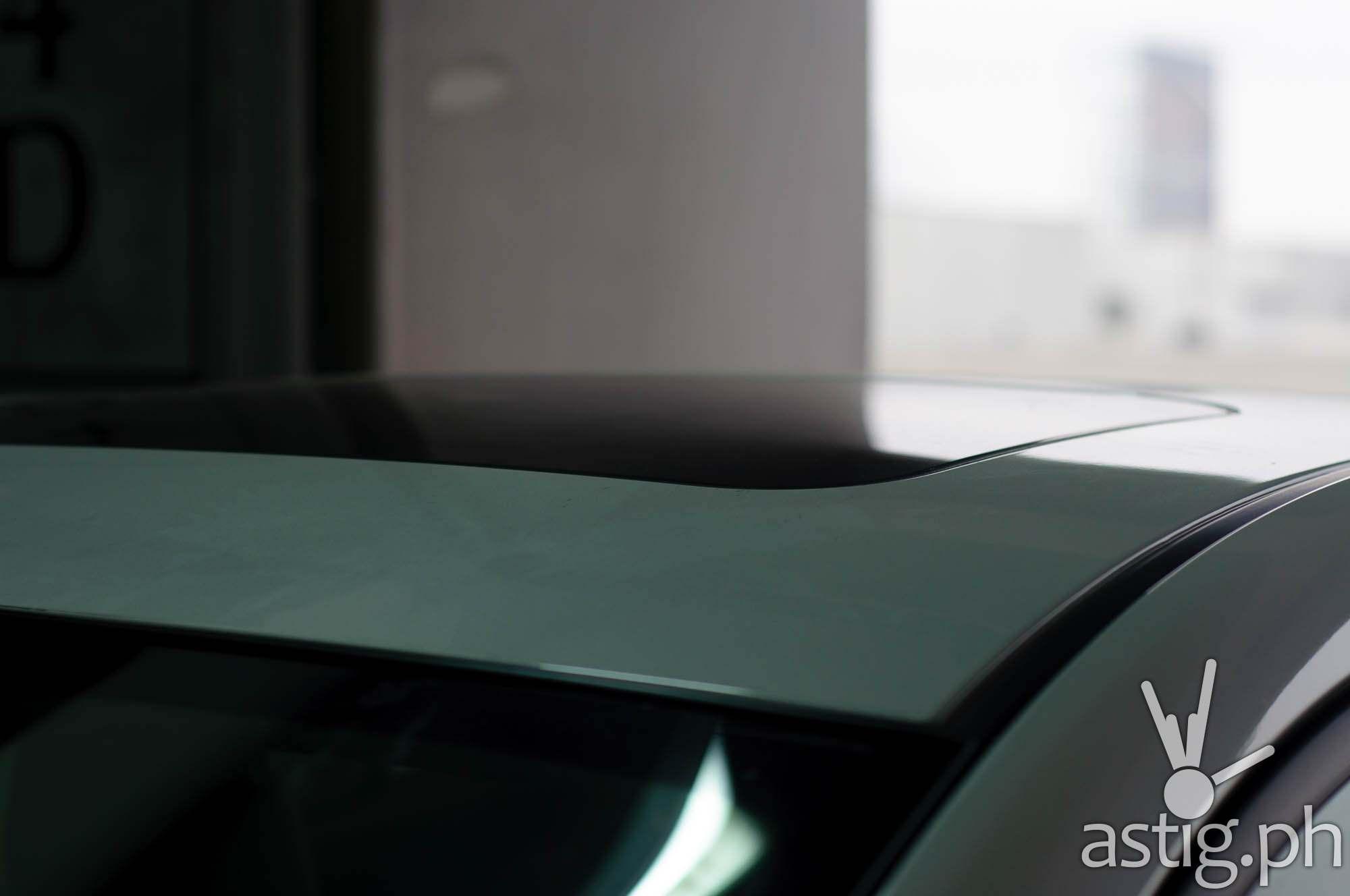 Sunroof shot from the top - Mazda3 2.0 Sedan 2017 Skyactiv-R