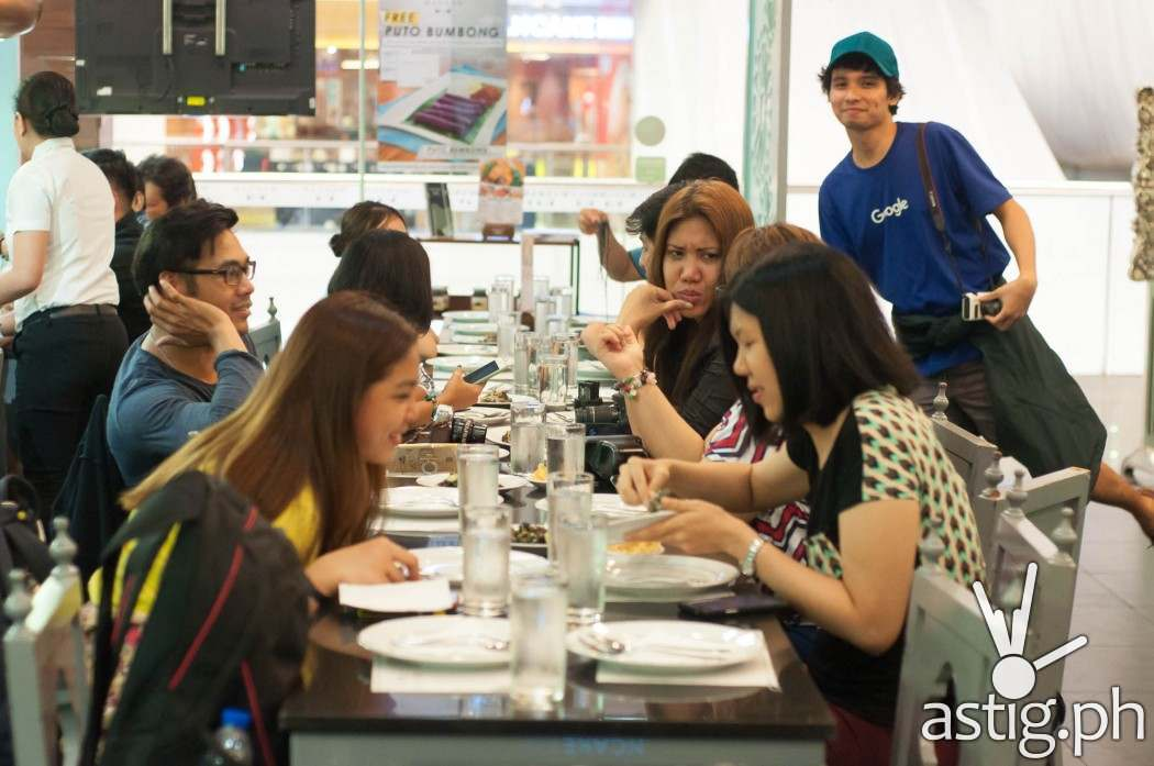 Bloggers featuring Rodel Flordeliz, Ruth Dela Cruz, Stacy Liong, and Duane Bacon - Mangan Restaurant Glorietta 2