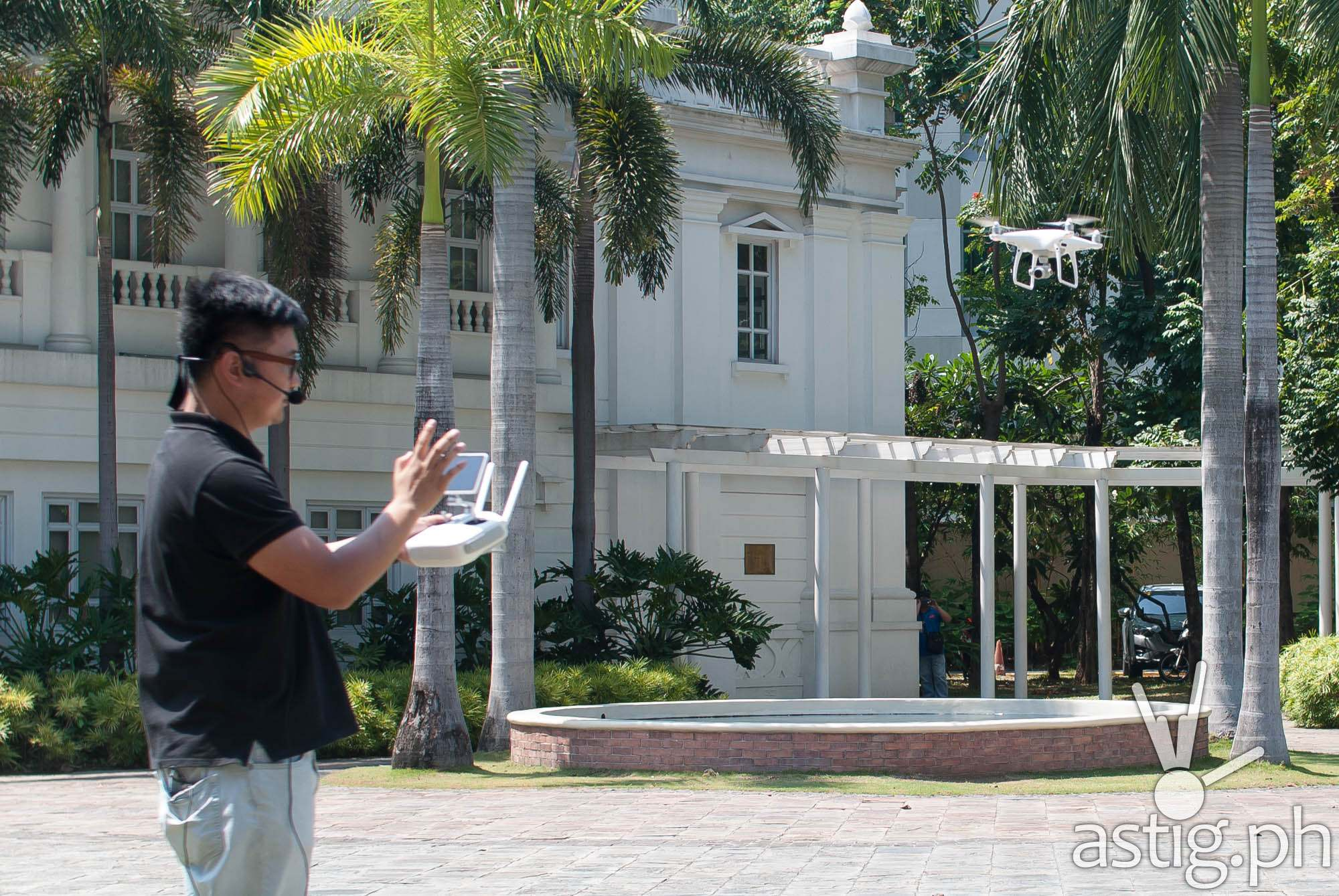 Demonstration of the DJI Phantom aerial drone
