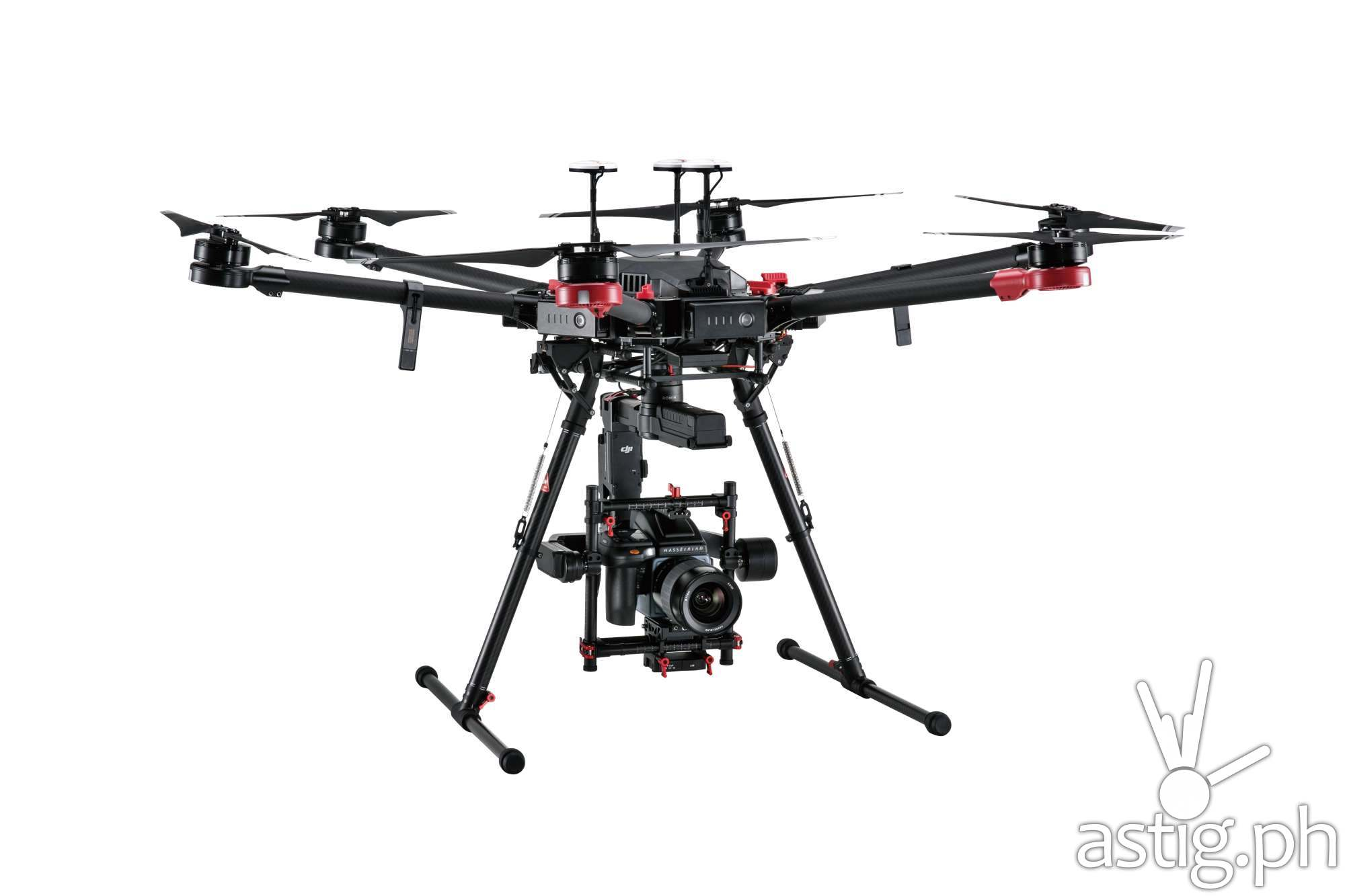 The world's first 100 Megapixel aerial drone: DJI Matrice 600 Pro drone, the Ronin-MX gimbal and the Hasselblad H6D-100c