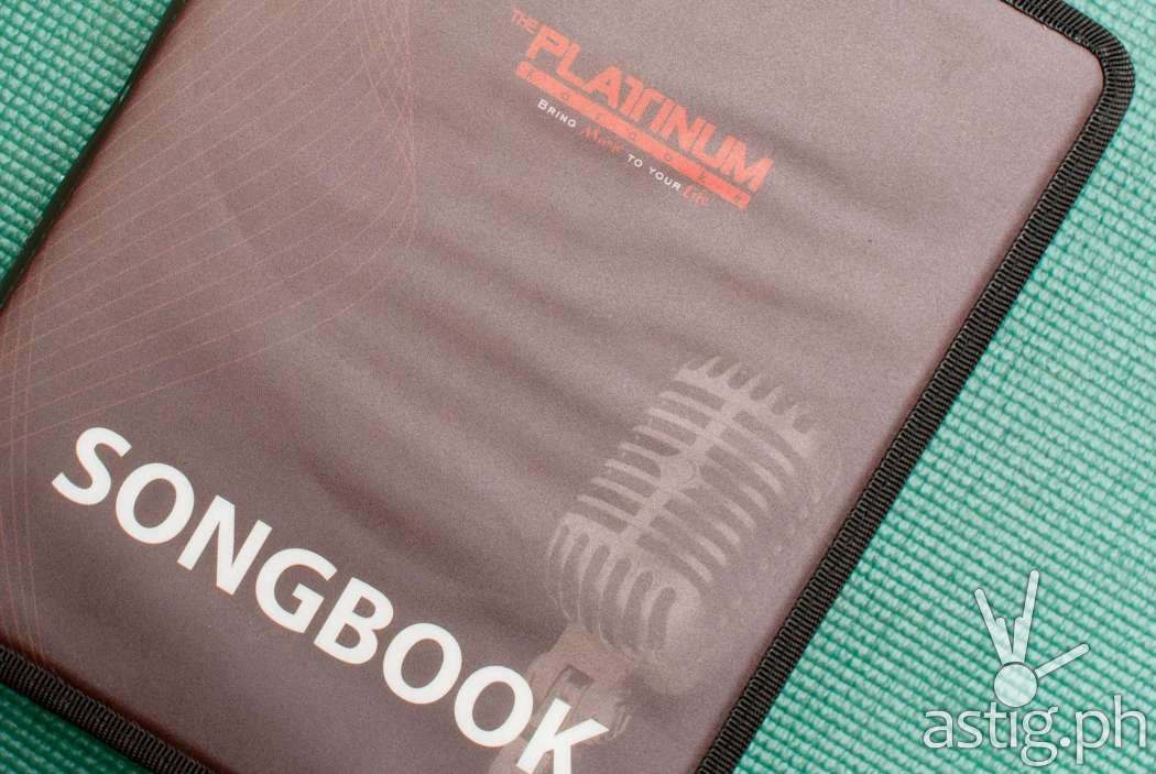 Platinum Alpha features over 17000 songs, so it's not surprising that the songbook is big and thick