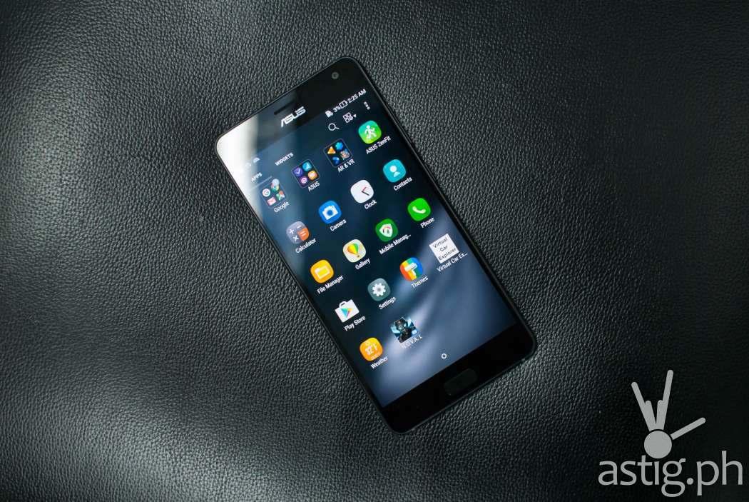 ASUS Zenfone AR front showing apps