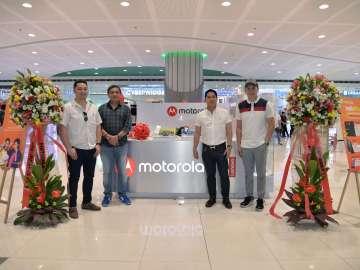 Motorola kiosk SM Mall of Asia