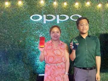 Jane Wan, OPPO Philippines Brand Marketing Director and Eason de Guzman, OPPO Philippines Public Relations Manager - OPPO F7 Youth launch