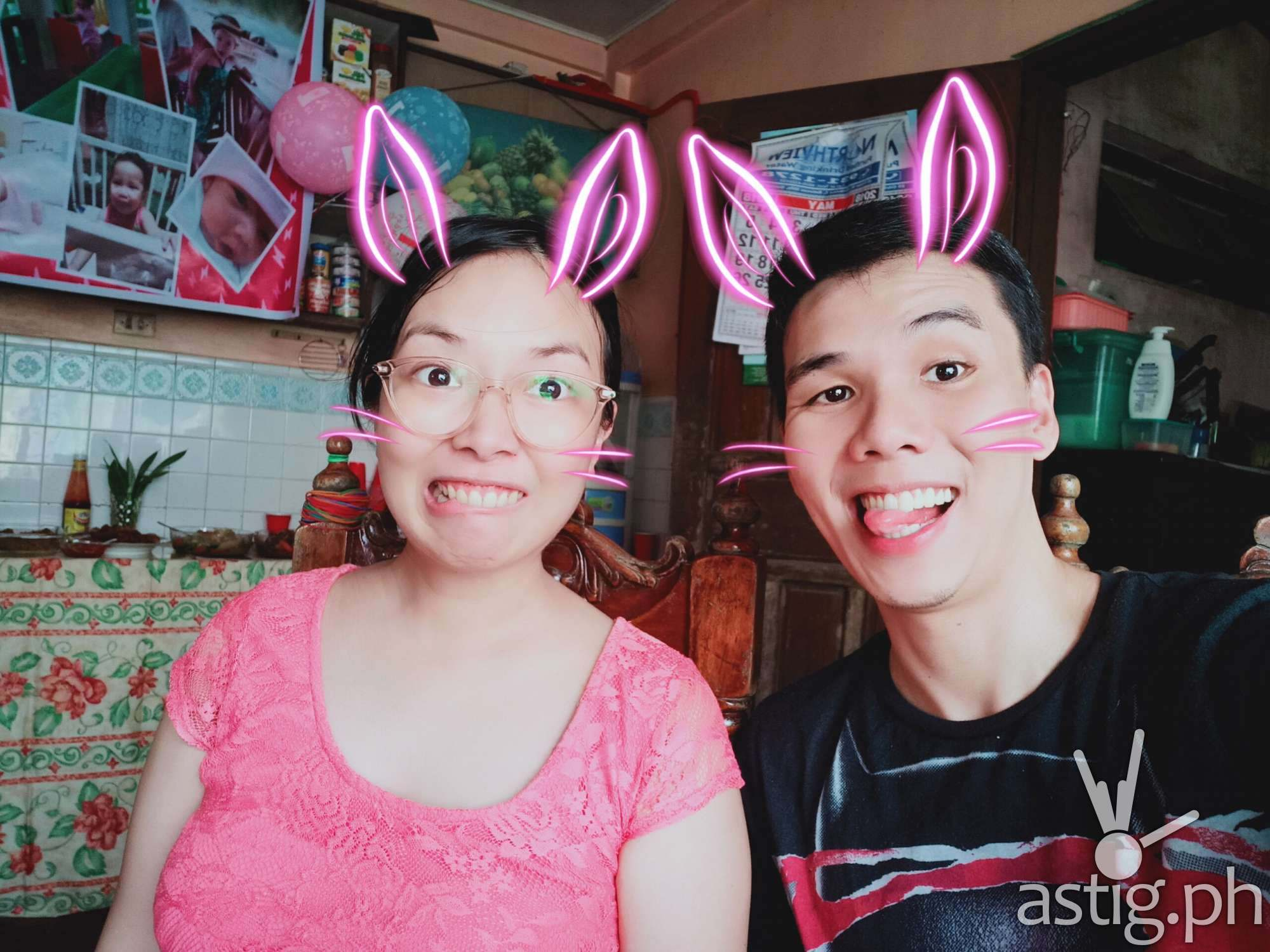 OPPO F7 - selfie camera AR stickers sample photo