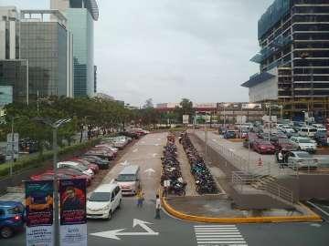 Buildings photo - LG G7 ThinQ