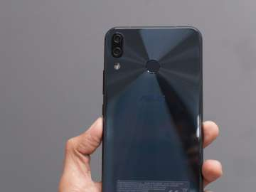 Zenfone 5 back - dual camera, fingerprint scanner