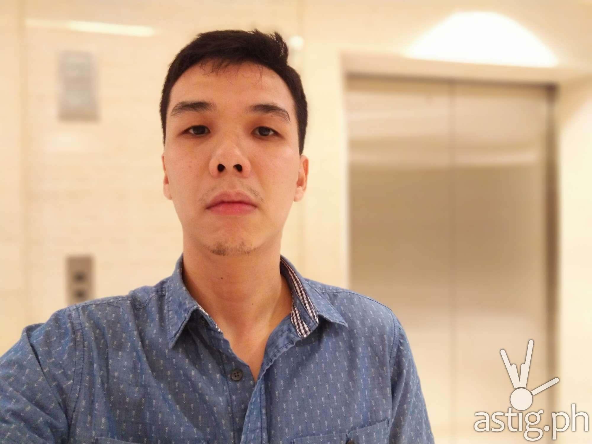 Zenfone 5 sample photo - selfie (indoors)