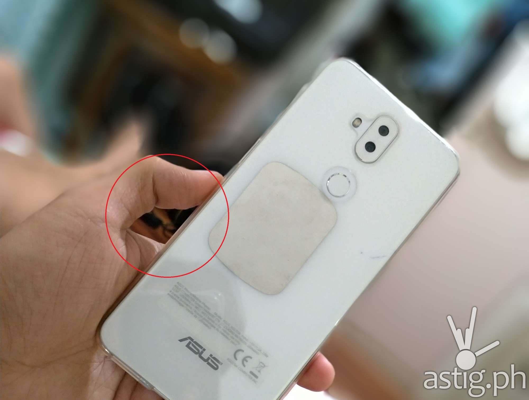 Zenfone 5 sample photo rear camera DOF artifact