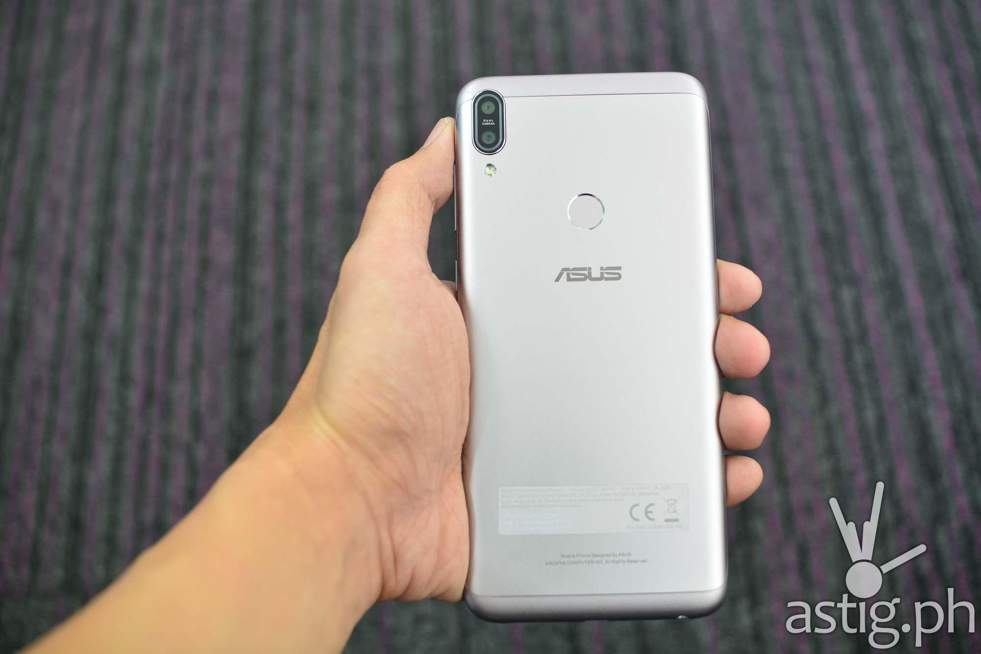 Zenfone Max Pro M1 back handheld