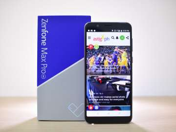 ASUS Zenfone Max Pro M1 front with box