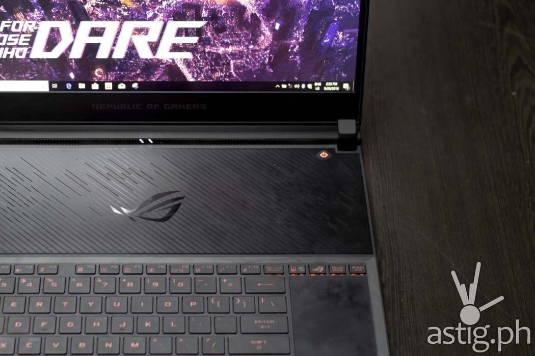 ASUS ROG Zephyrus S GX531GM-ES007T vent and keyboard