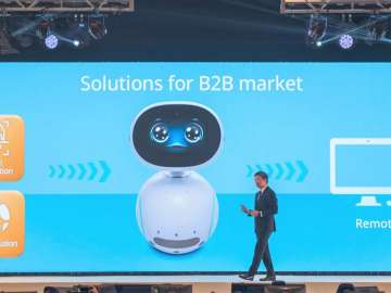 ASUS Corporate Vice President Jackie Hsu explains Zenbo Junior platform on stage at Incredible Intelligence 2018 event