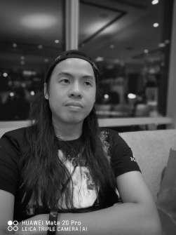 Huawei Mate 20 Pro sample photo - monochrome portrait