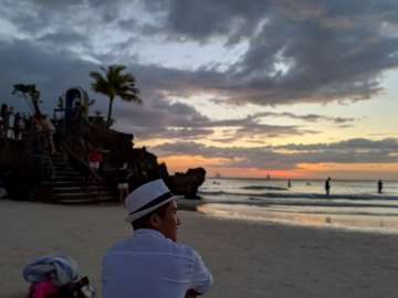 Sunset - Boracay Philippines re-opening smartphone photo taken on an ASUS ZenFone 5 by Den Uy of TechKuya