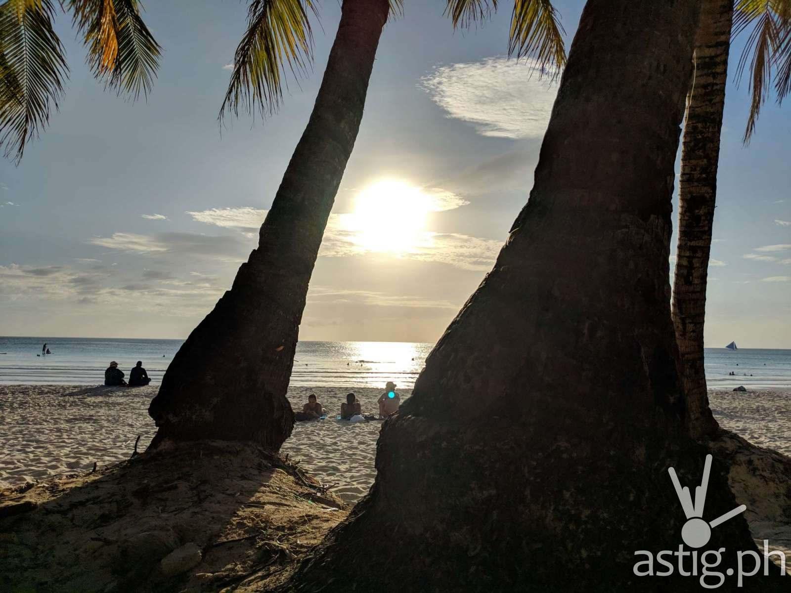 Boracay Philippines re-opening smartphone photo taken on an ASUS ZenFone 5 by Den Uy of TechKuya