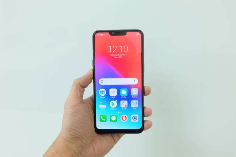 Front hand-held - Realme C1 Philippines