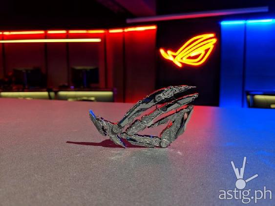 ROG Eye Metallic Sculpture - ROG Unleashed