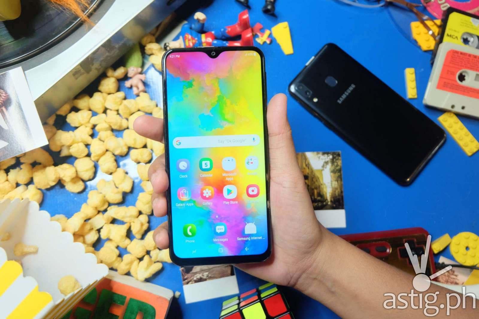 Handheld front - Samsung Galaxy M20 Philippines
