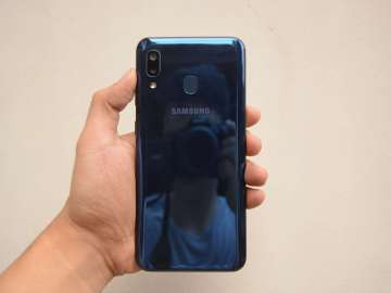 Handheld back - Samsung Galaxy A20 (Philippines)
