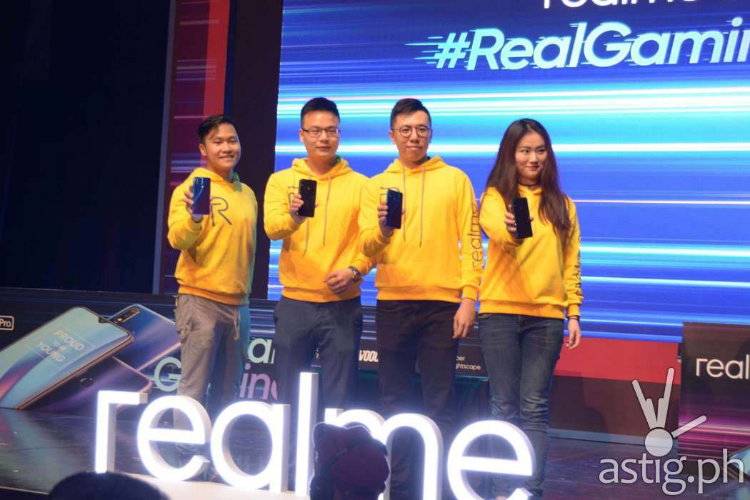 Jackie Chen , Eason de Guzman with fellow Realme 3 Philippines executives at the launch of the Realme 3 Pro