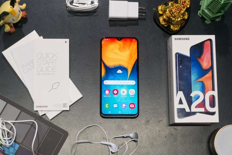 Samsung Galaxy A20: It just keeps going, and going, and going ...