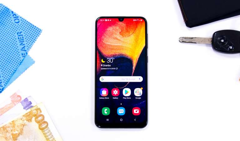 Samsung Galaxy A50: Bang-for-the-buck! [review]