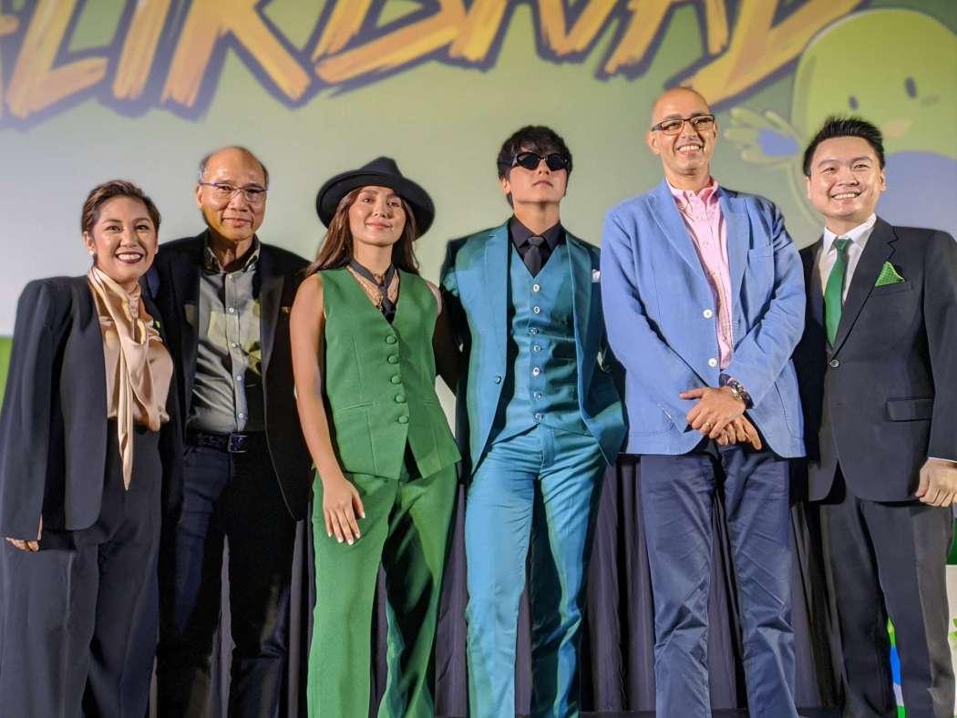 "Kathryn Bernardo and Daniel Padilla (""KathNiel"") stars in PayMaya TVC ""BalikBayad"""