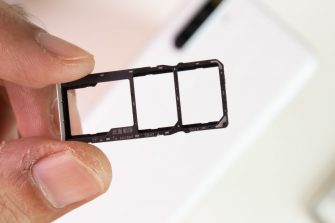 Dedicated dual nano-SIM and microSD slots - realme 6i (Philippines)