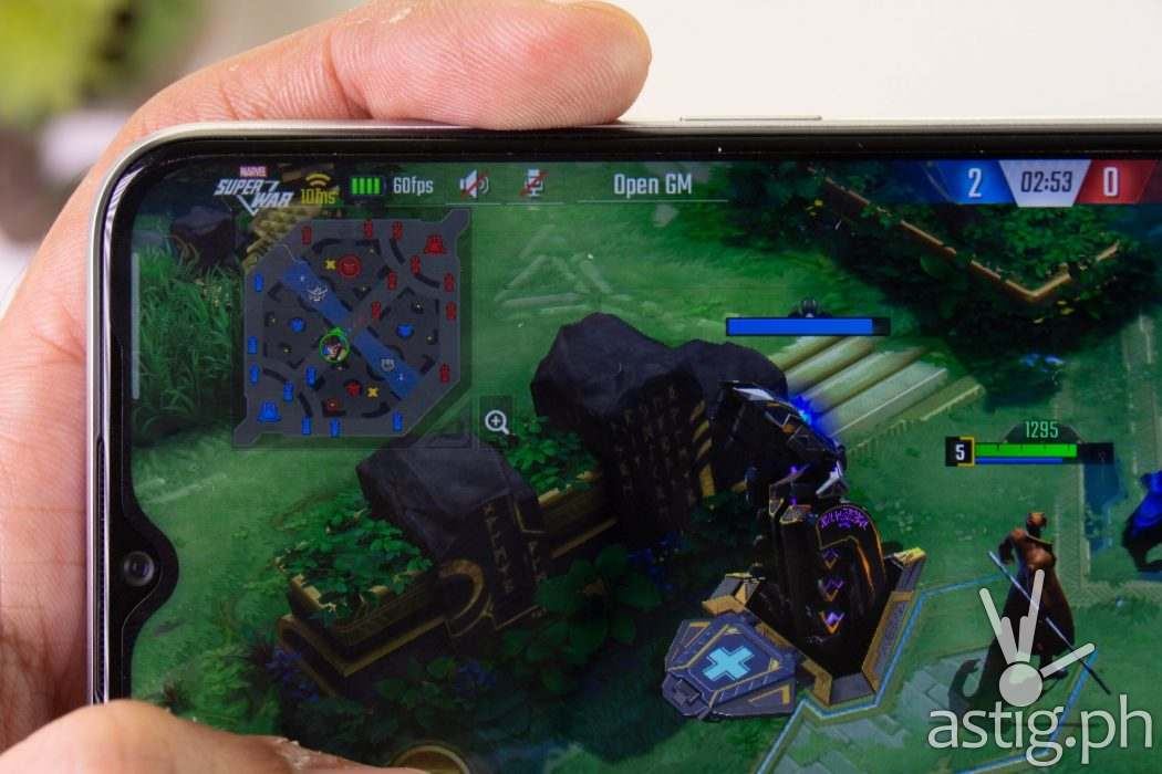 Gaming test Marvel Super War doing 60FPS at maximum settings - realme 6i (Philippines)