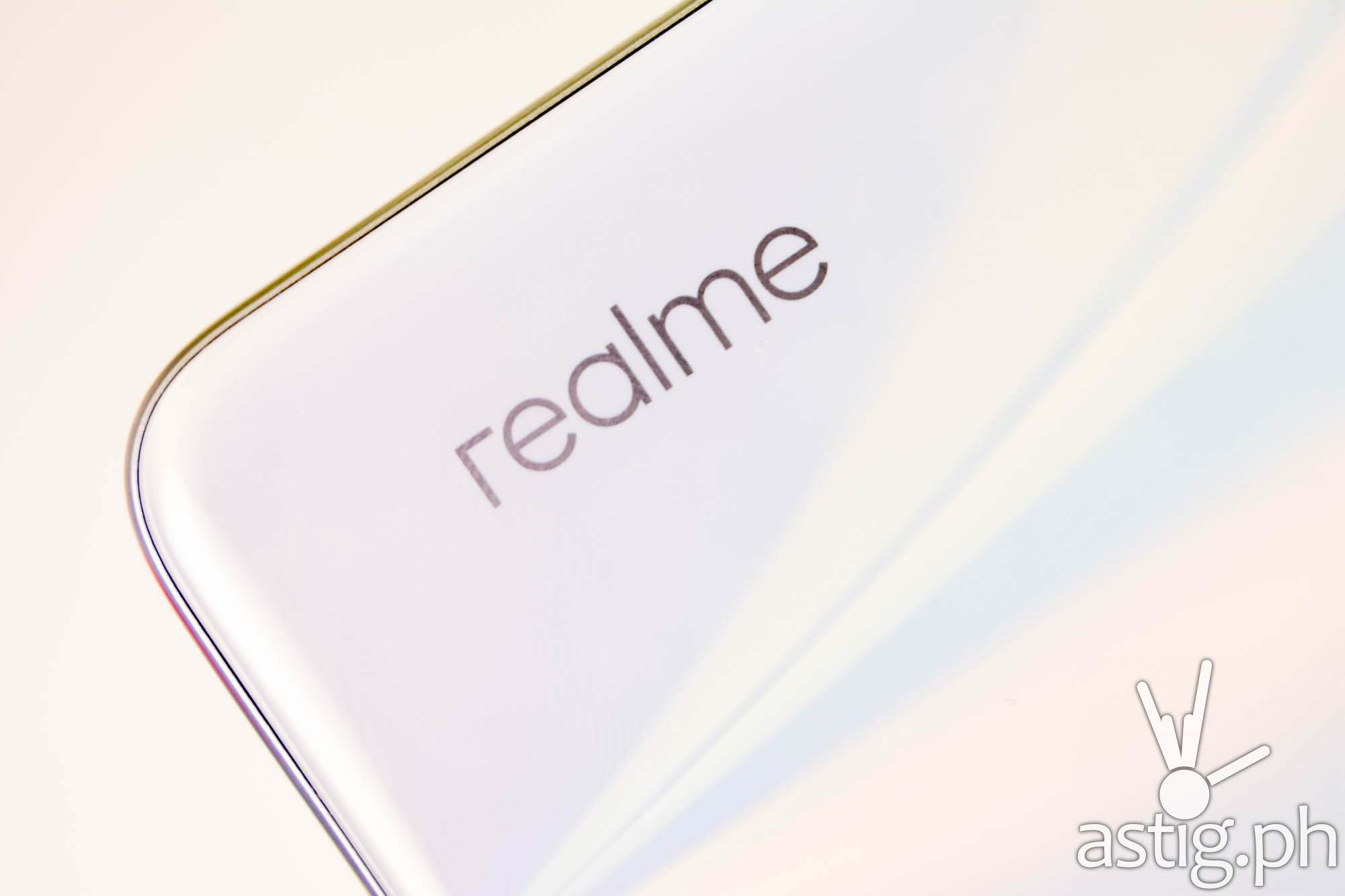Rear design with realme logo - realme 6 (Philippines)