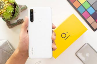 realme 6i handheld - realme 6i (Philippines)