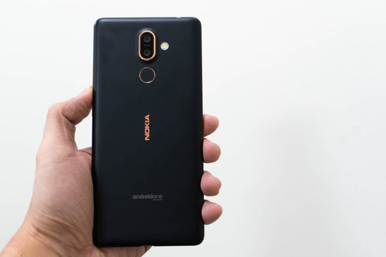 Back handheld - Nokia 7 Plus (Philippines)