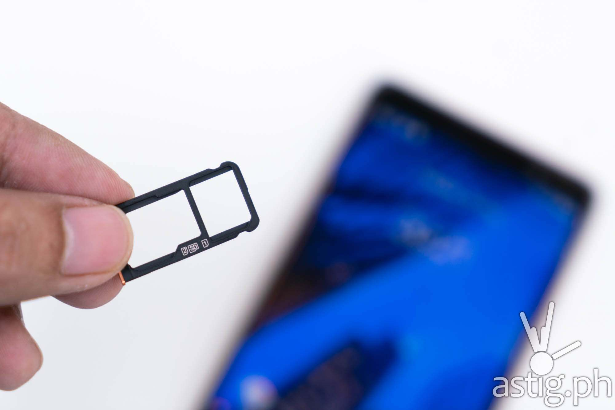 Hybrid SIM & micro SD card slot - Nokia 7 Plus (Philippines)