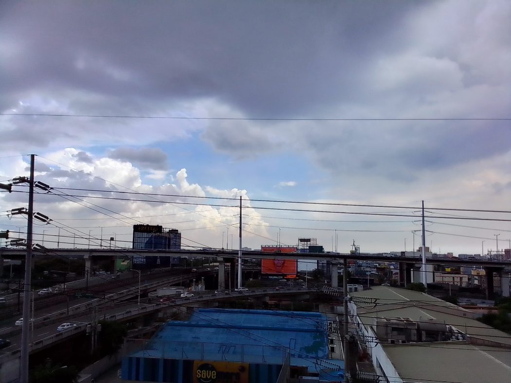 Outdoor daytime - Nokia C2 sample photo