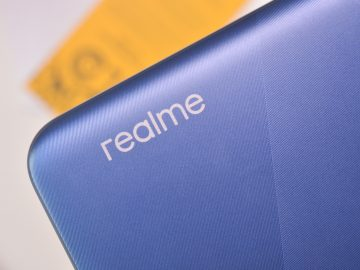 Realme logo on Marine Blue - Realme C15 (Philippines)