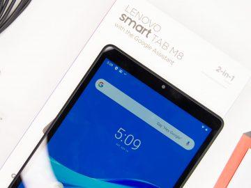 Front on box - Lenovo Smart Tab M8 (Philippines)