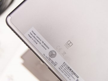 Rear bottom - Lenovo Smart Tab M8 (Philippines)
