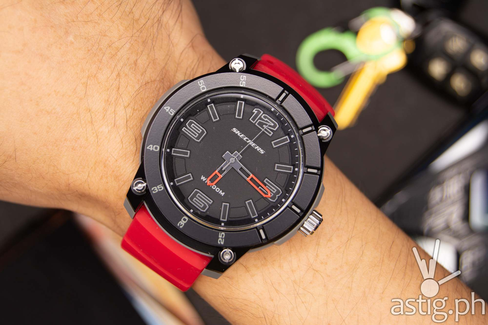 Wrist close up - Skechers Sting Analog Watch (red)
