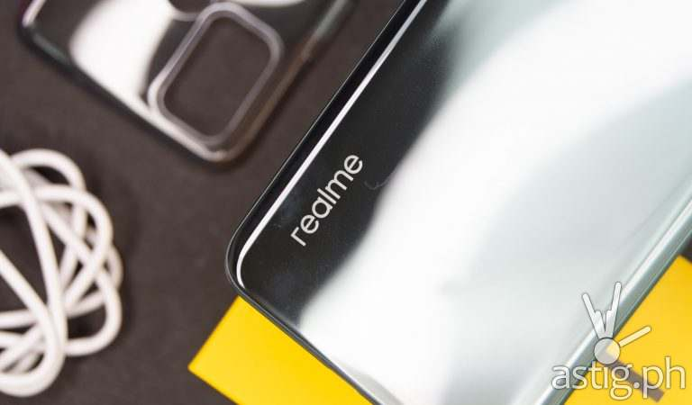 realme sets smartphone reliability standards with new TUV Rheinland Certification