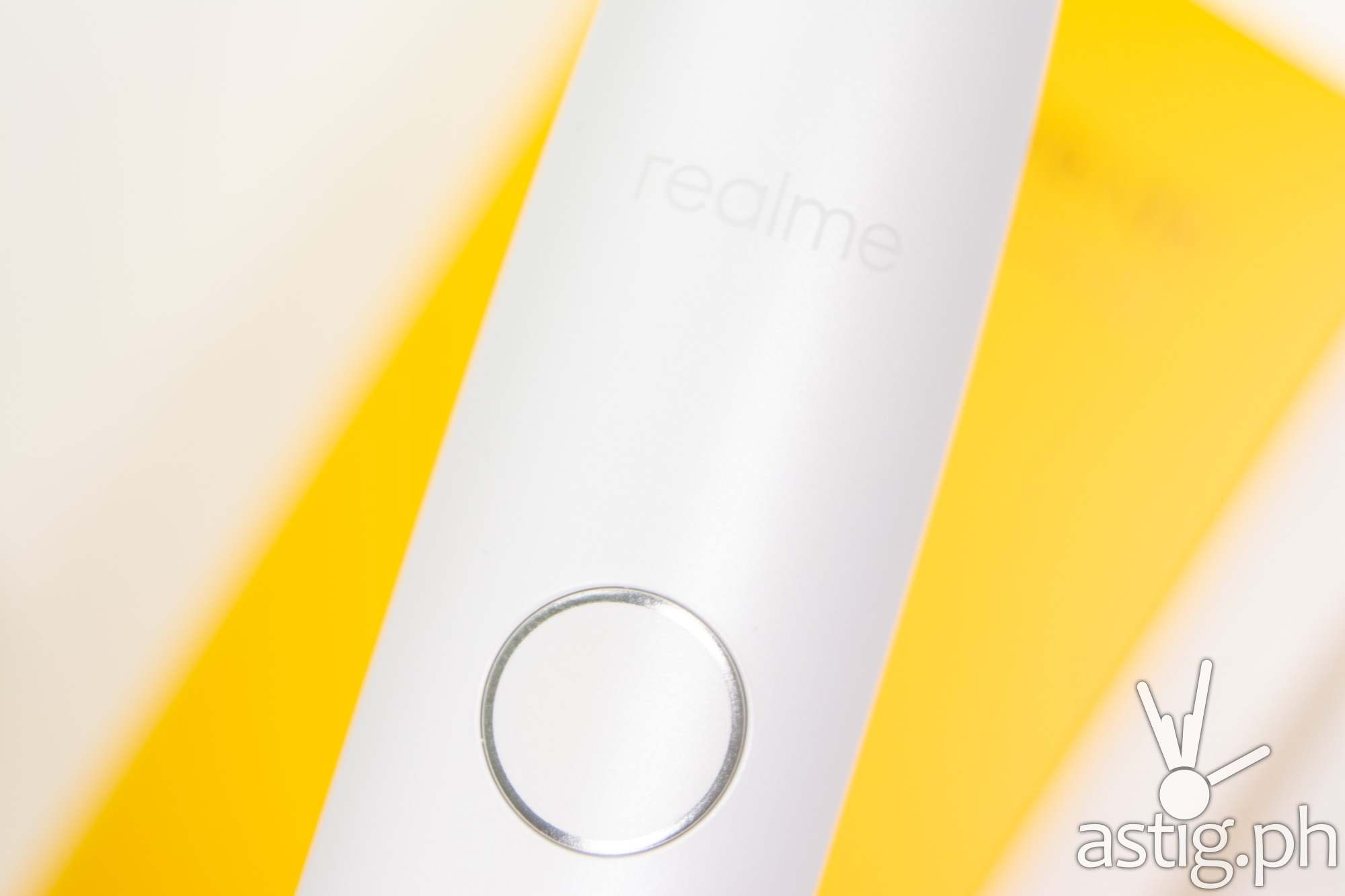 Power button closeup - realme M1 Sonic Electric Toothbrush (Philippines)