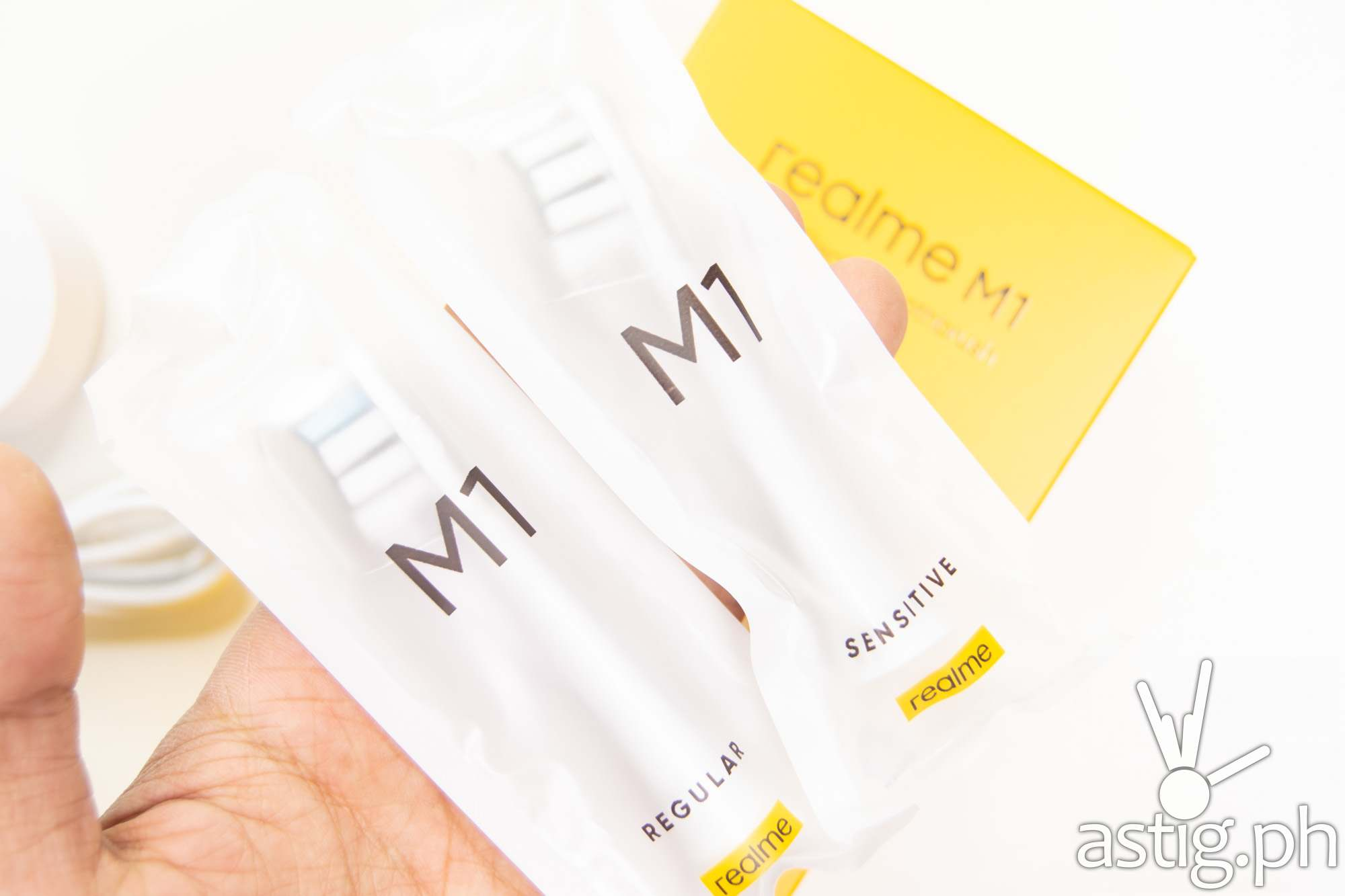 Toothbrush heads packed - realme M1 Sonic Electric Toothbrush (Philippines)