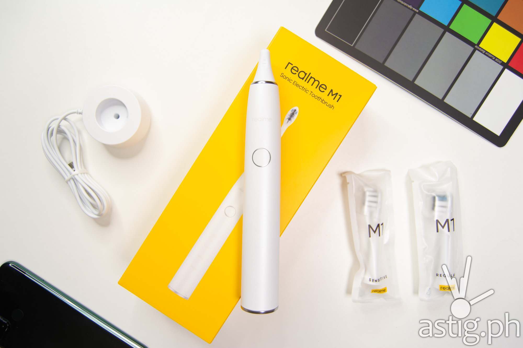 Top flatlay - realme M1 Sonic Electric Toothbrush (Philippines)
