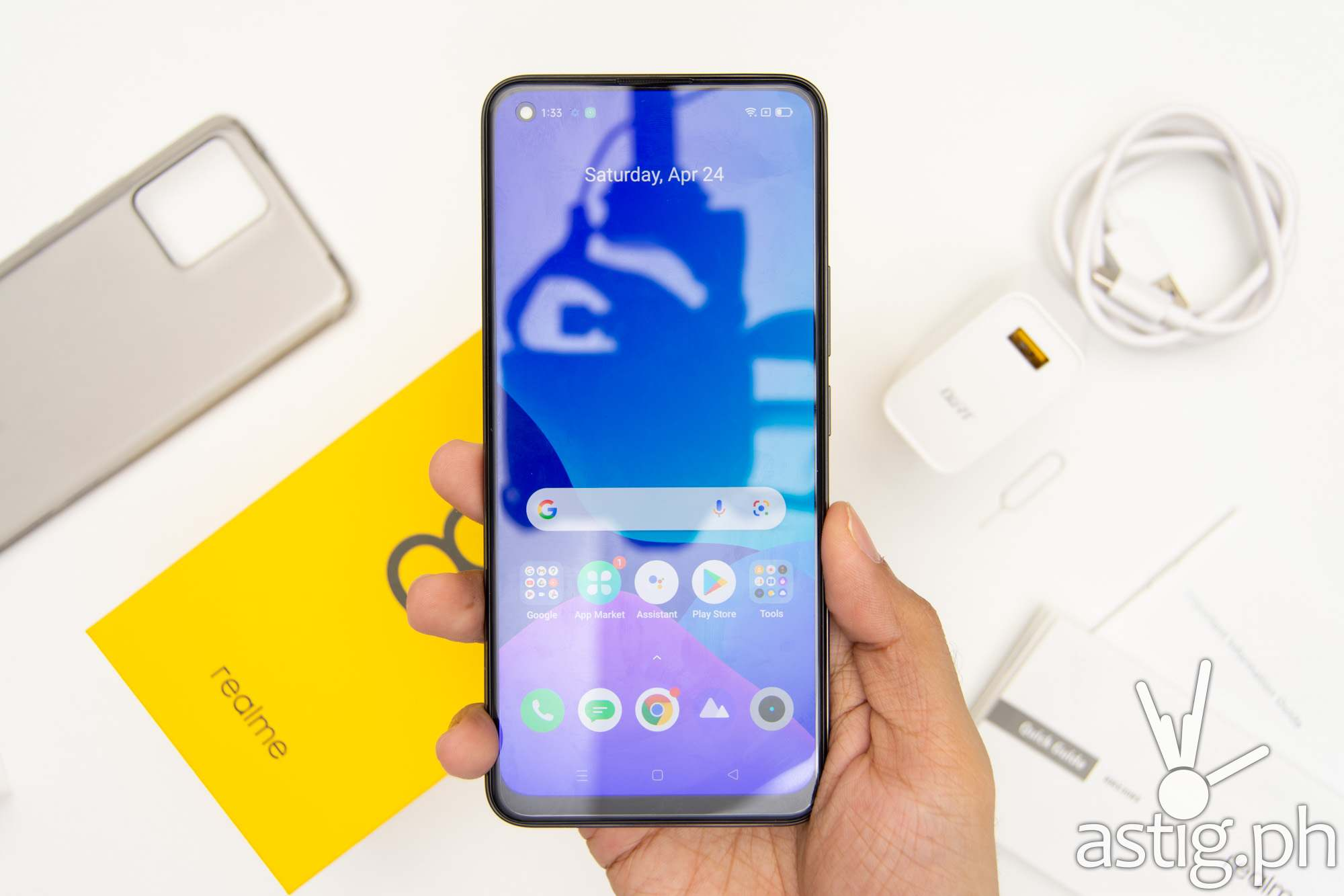 Handheld front - realme 8 (Philippines)