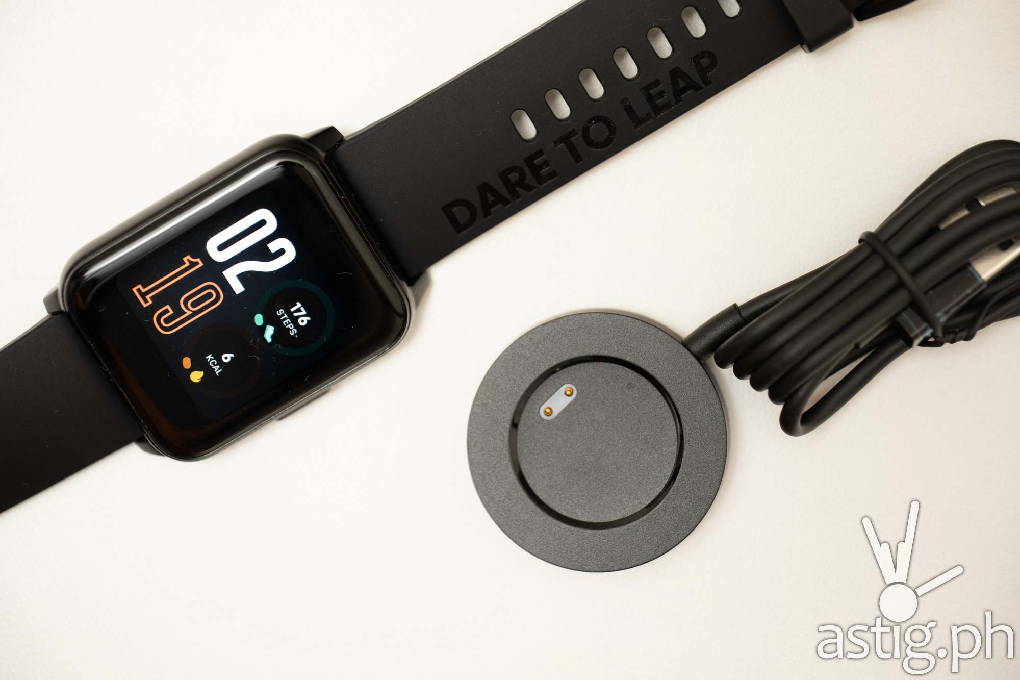 Watch with charger - realme Watch 2 (Philippines)
