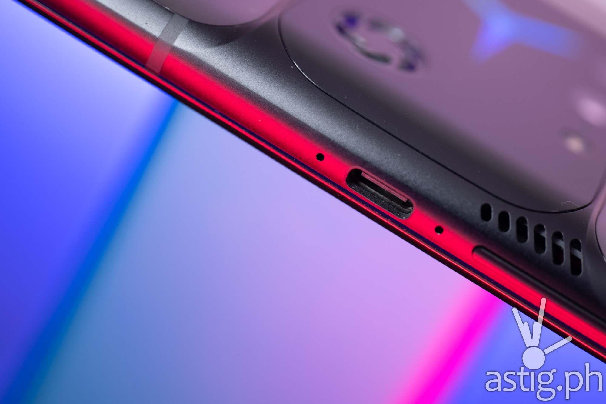 Side USB-C port - Legion Phone Duel 2 (Philippines)